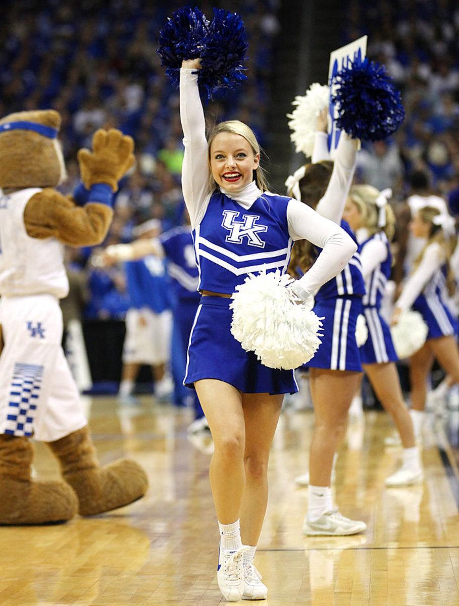 Kentucky-cheerleaders-16815032151_Kentucky_V_Cincinnati_0.jpg