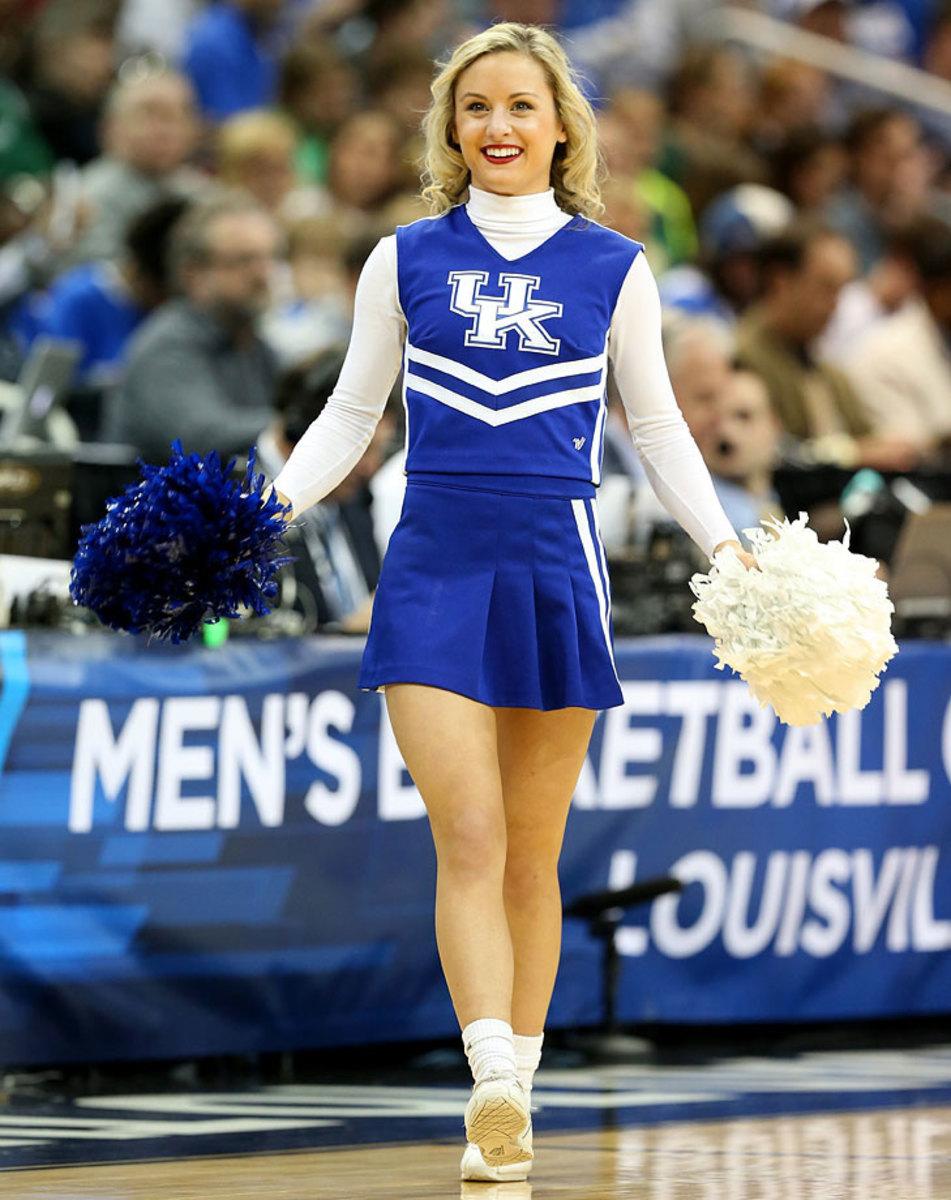 Kentucky-cheerleaders-467163604_10_0.jpg