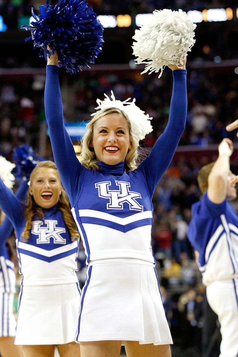 Kentucky-cheerleaders-467951702.jpg