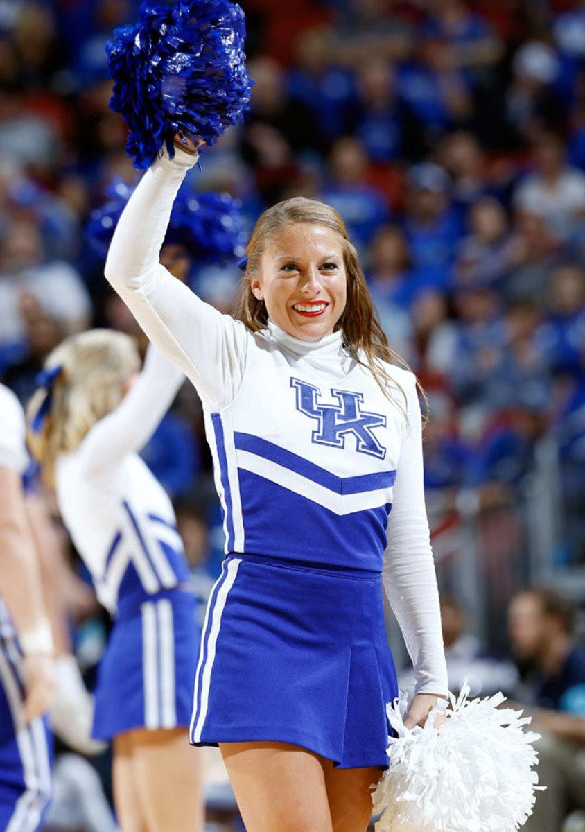Kentucky-cheerleaders-466948010_10_0.jpg