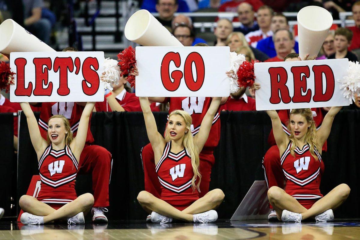 Wisconsin-cheerleaders-467094534_10_0.jpg
