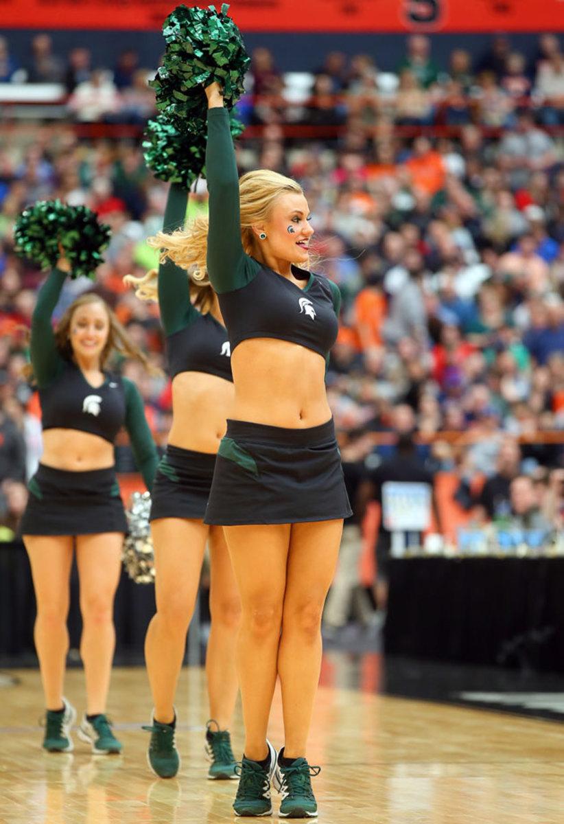 Michigan-State-cheerleaders-CGV_032915902_Louisville_MichiganState.jpg