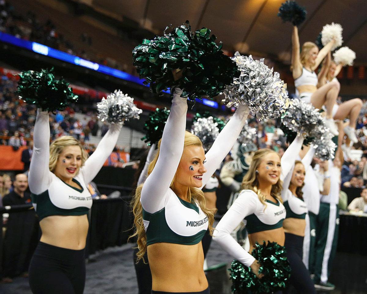 Michigan-State-cheerleaders-467859924.jpg