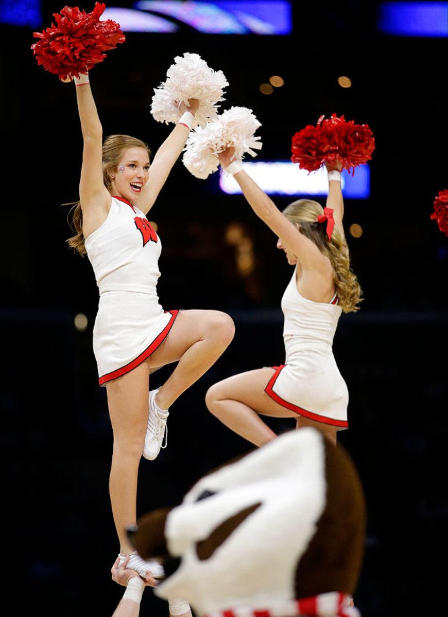 Wisconsin-cheerleaders-b2a478db91fc40b6818369dfe911ae28-0.jpg