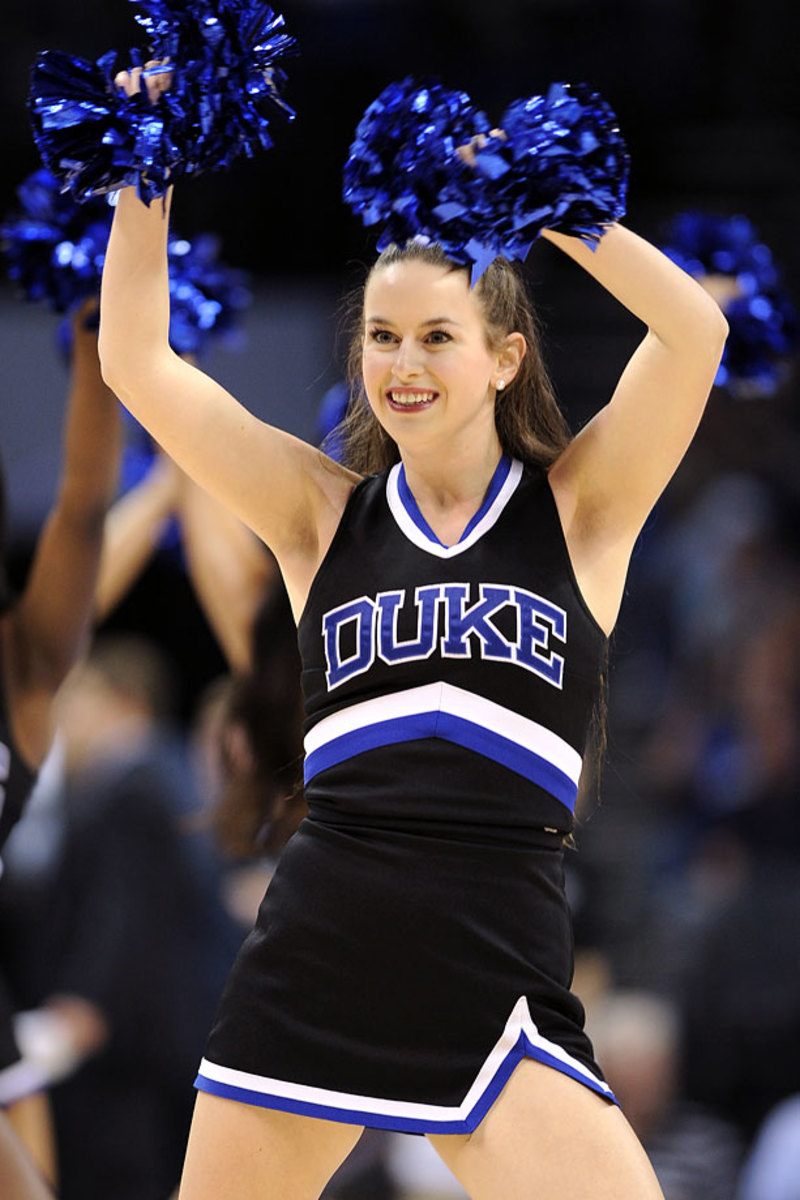 Duke-cheerleaders-467141614_10_0.jpg