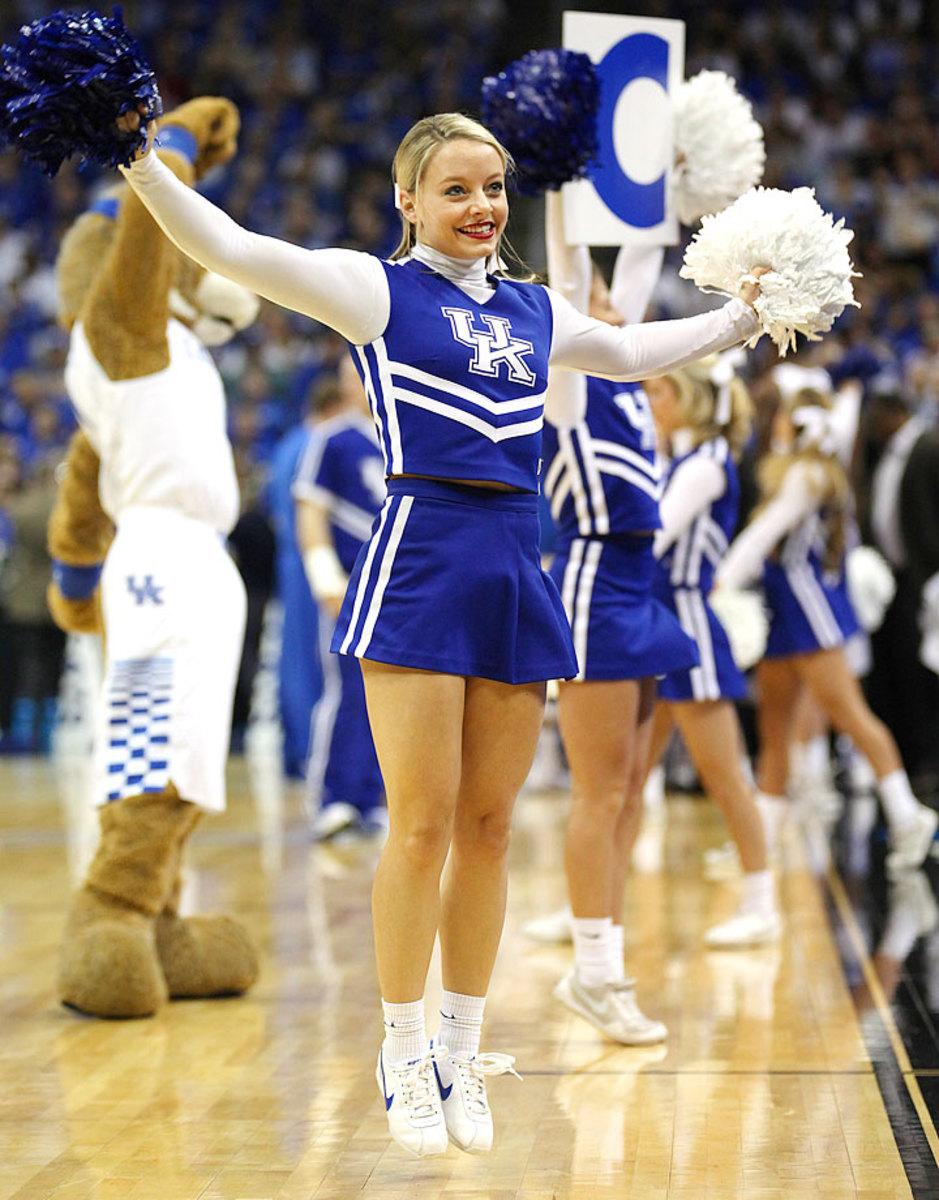 Kentucky-cheerleaders-16815032150_Kentucky_V_Cincinnati.jpg
