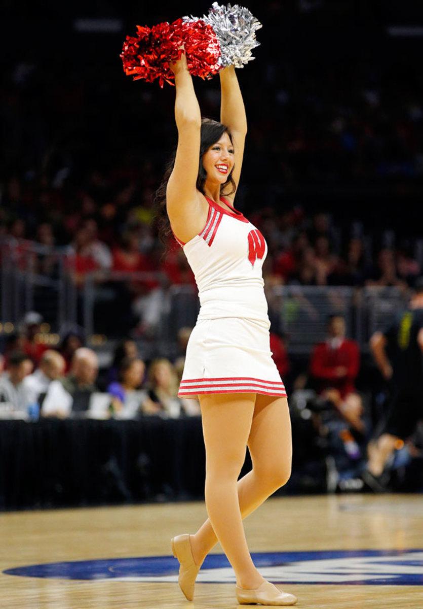 Wisconsin-cheerleaders-269150328_010_Arizona_vs_Wisconsin.jpg