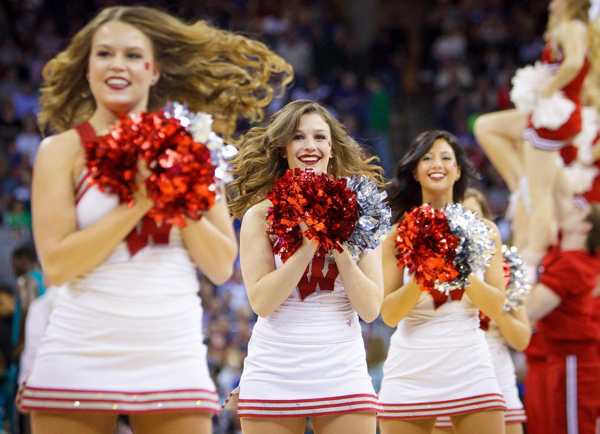 Wisconsin-cheerleaders-CBG1503200149_Coastal_Carolina_v_Wisco_0.jpg