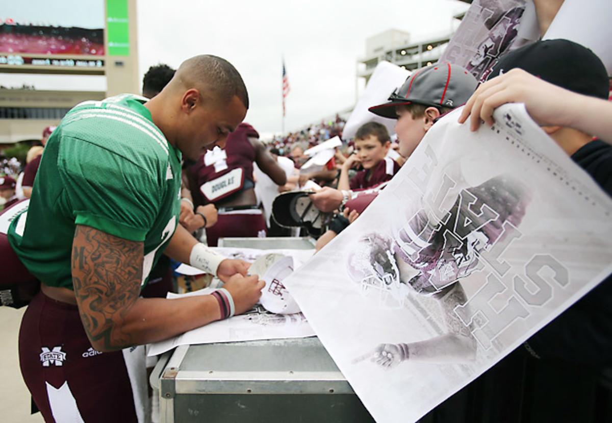 dak-prescott-mississippi-state-bulldogs-football-autograph.jpg