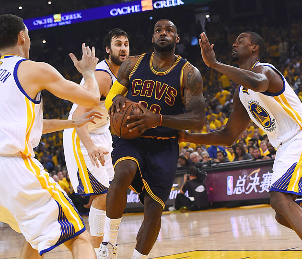 lebron-james-cavaliers-stephen-curry-warriors-nba-finals-game-1.jpg