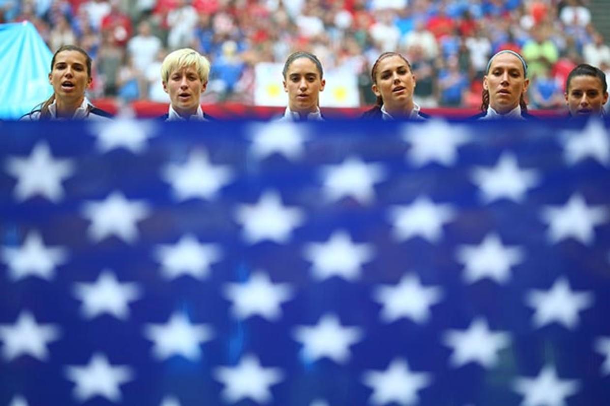 uswnt-flag.jpg