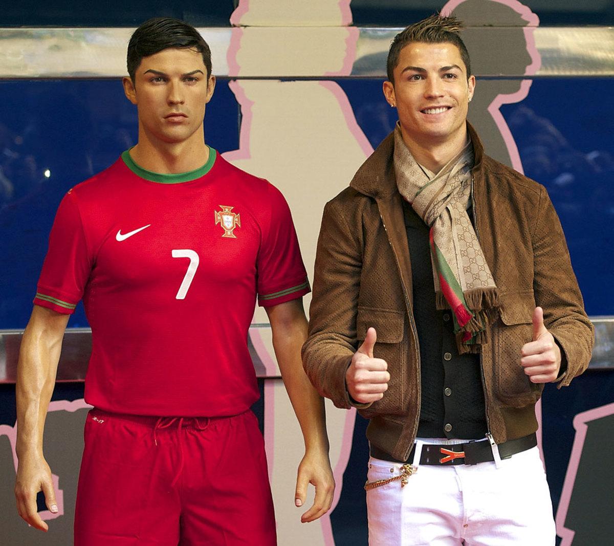 2015-0907-Cristiano-Ronaldo-wax-figure.jpg