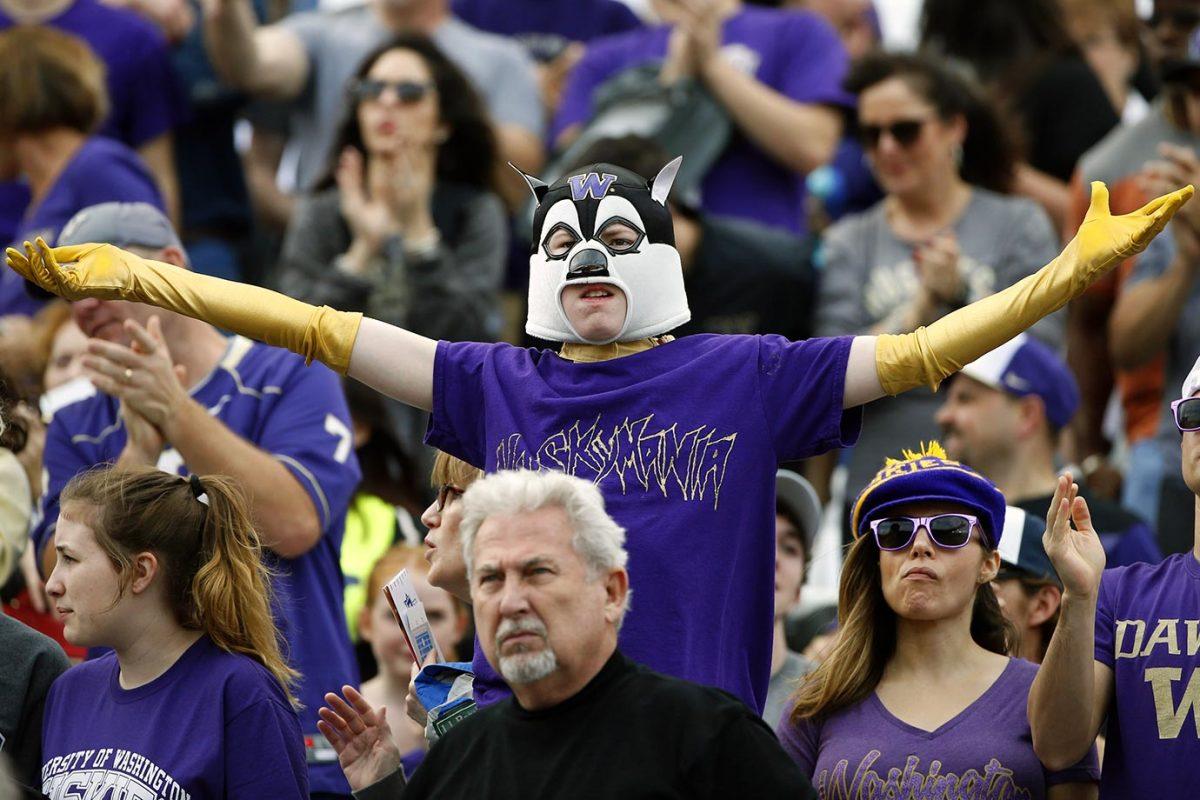 2015-1226-Washington-Huskies-fan-2.jpg