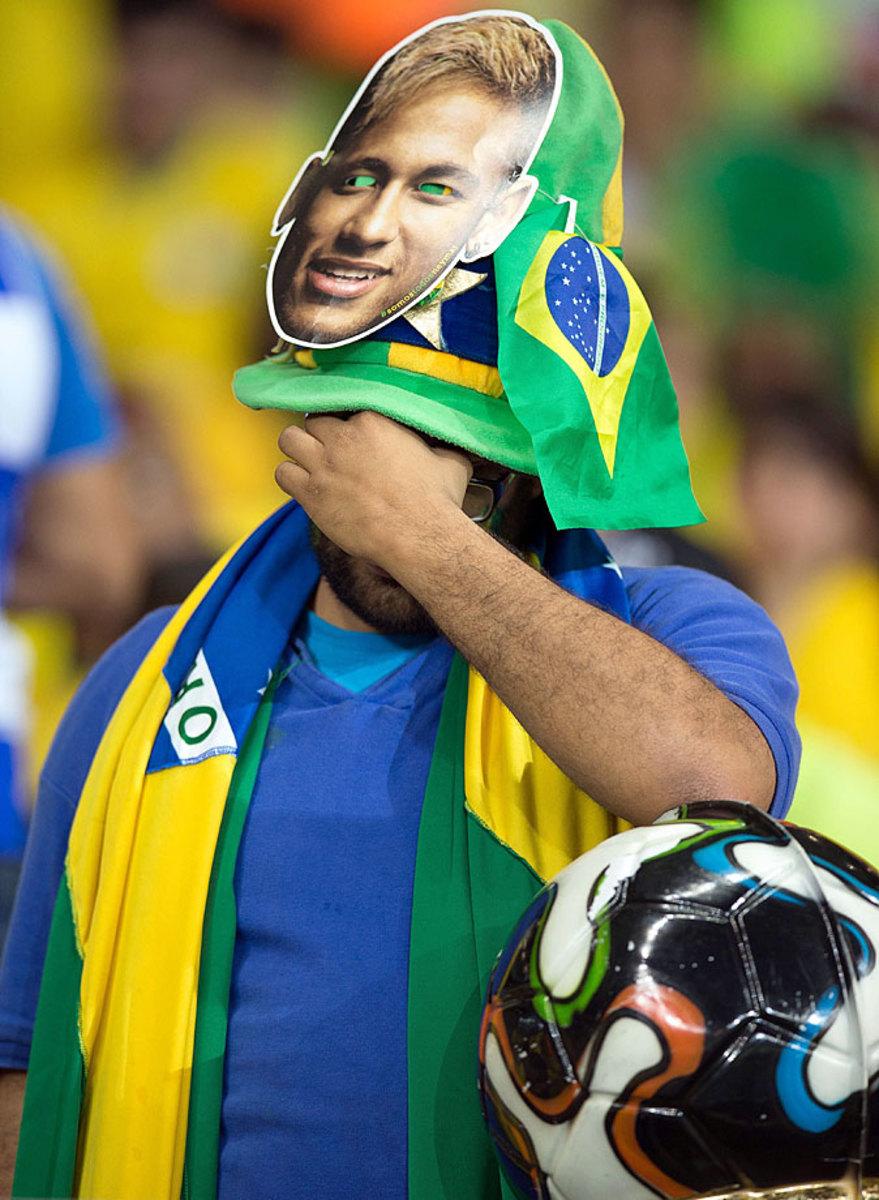 distraught-brazil-fan-CGB140708c5232_Germany_v_Brazil.jpg
