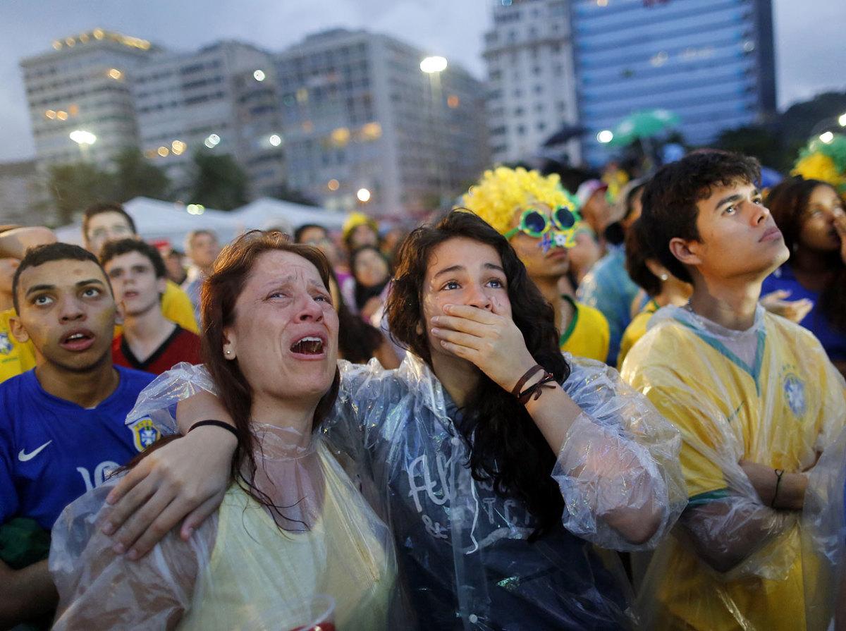 sad-brazil-fans-b865aface9ee4c78876fc0de96242933-0.jpg