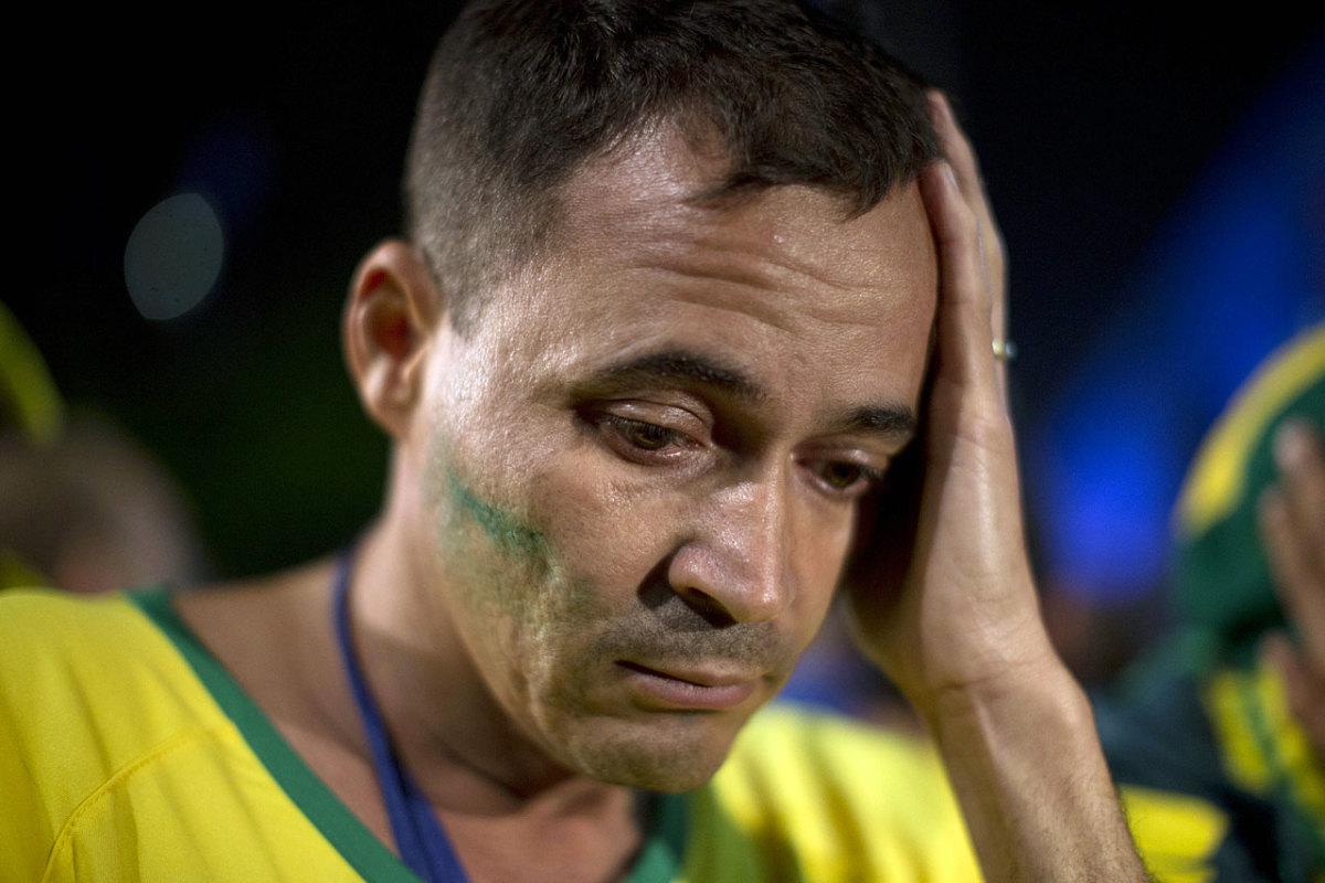 distraught-brazil-fan-adec9c06b6bb4f13b6cb1fe71a2ea209-0.jpg