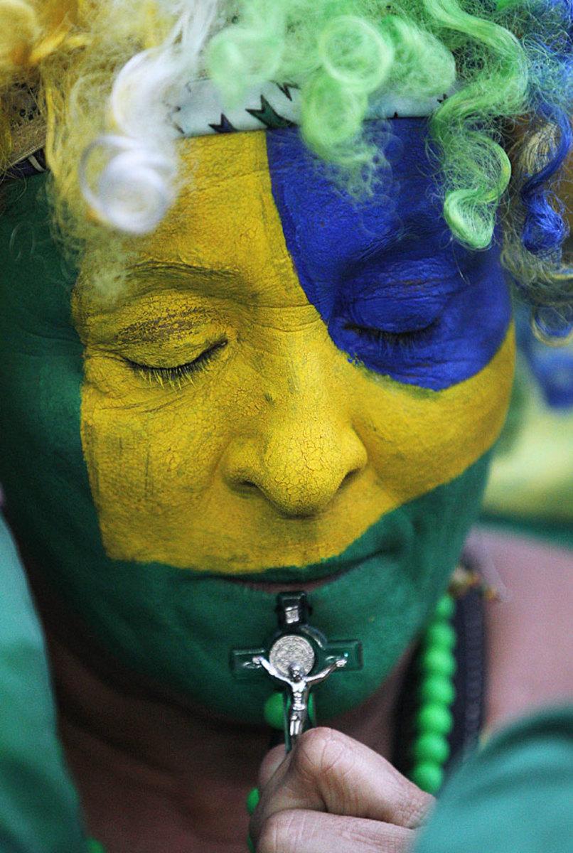 sad-brazil-fan-17031a289fd9455cba883e7786fd0667-0.jpg
