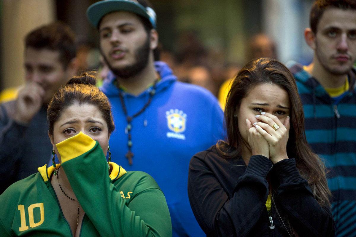sad-brazil-fans-558ef8de983c4a708a5006369c35eb4b-0.jpg