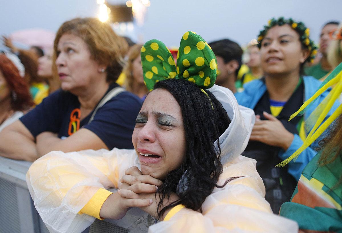 sad-brazil-fans-a34034974ec94994a477f9e64bea18b6-0.jpg