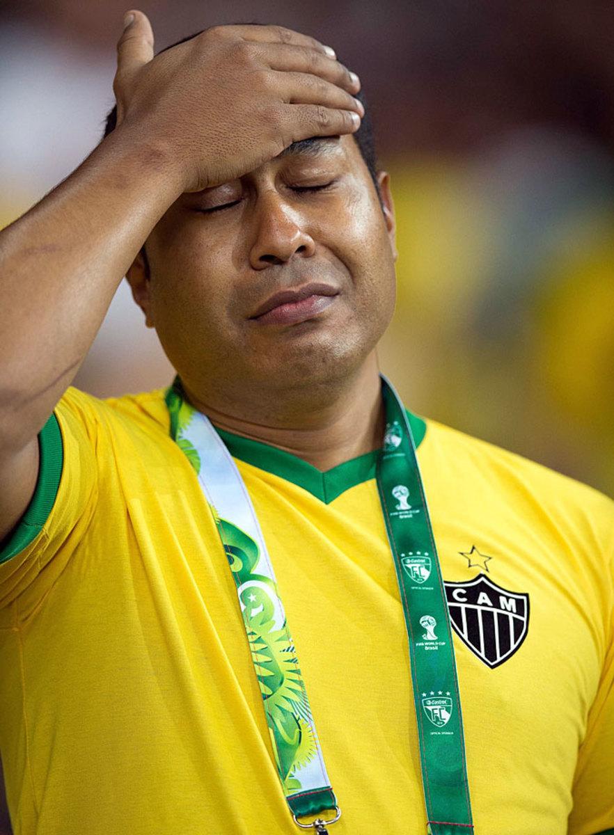 distraught-brazil-fan-CGB140708c5234_Germany_v_Brazil.jpg
