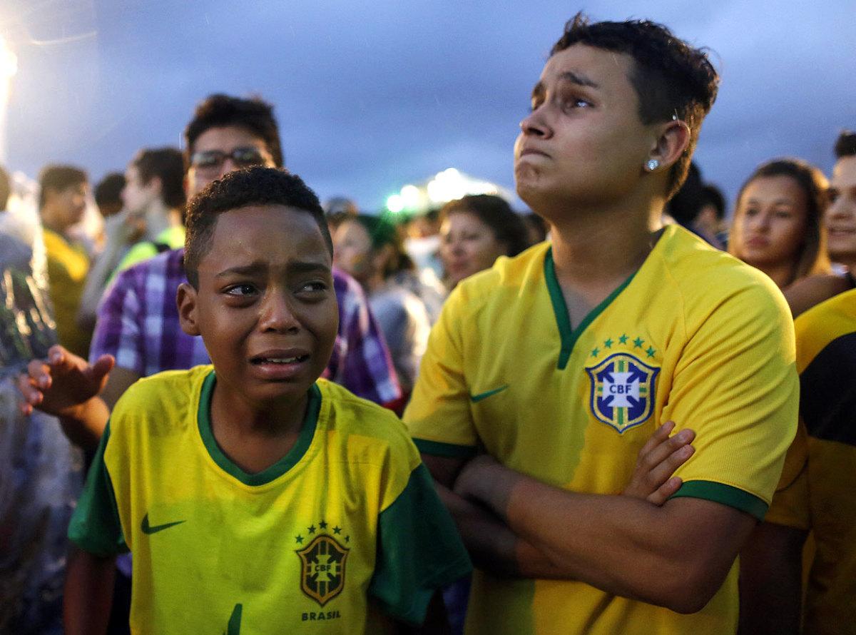sad-brazil-fans-d07521d8090544f7accb7e91e8597d03-0.jpg