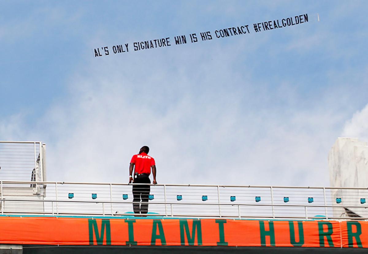 fire-al-golden-plane-miami-hurricanes-football.jpg