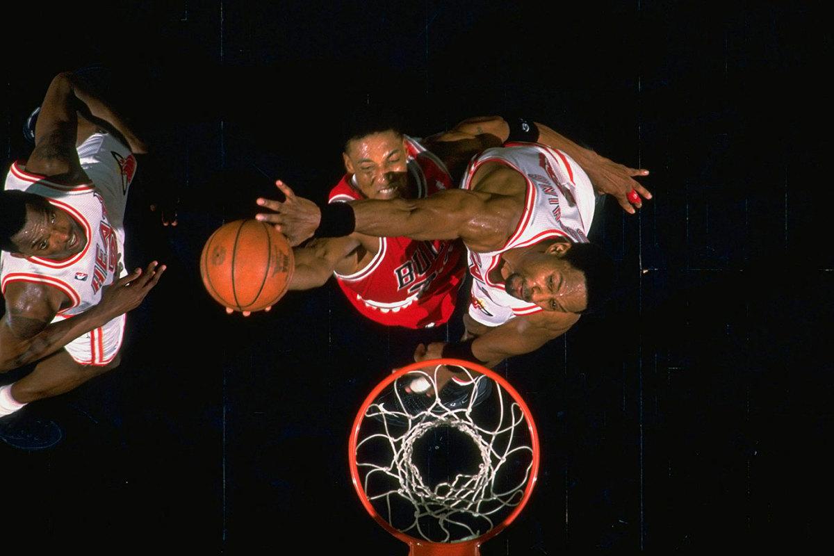1996-0223-Scottie-Pippen-Alonzo-Mourning-05775669.jpg