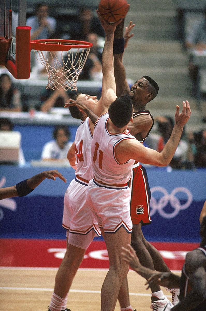 1992-0727-Scottie-Pippen-Dino-Radja-Stojko-Vrankovic-001304241.jpg