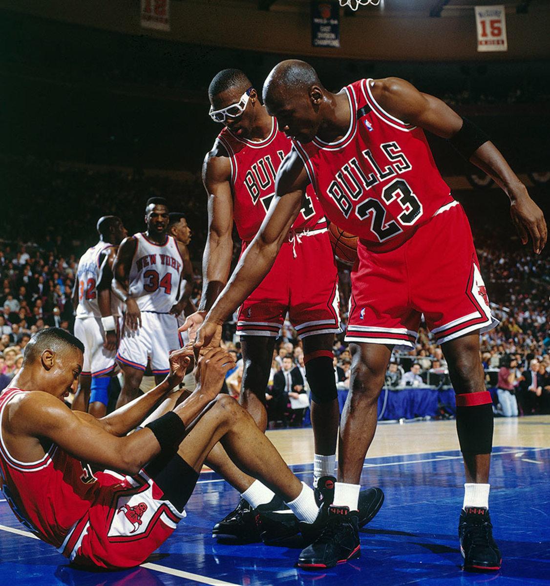 1992-0514-Scottie-Pippen-Michael-Jordan-Horace-Grant-005057977.jpg
