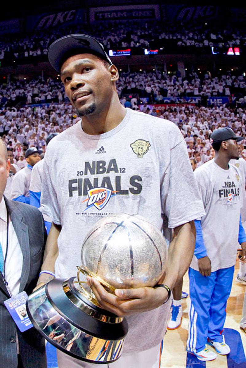 durant-finals-trophy.jpg