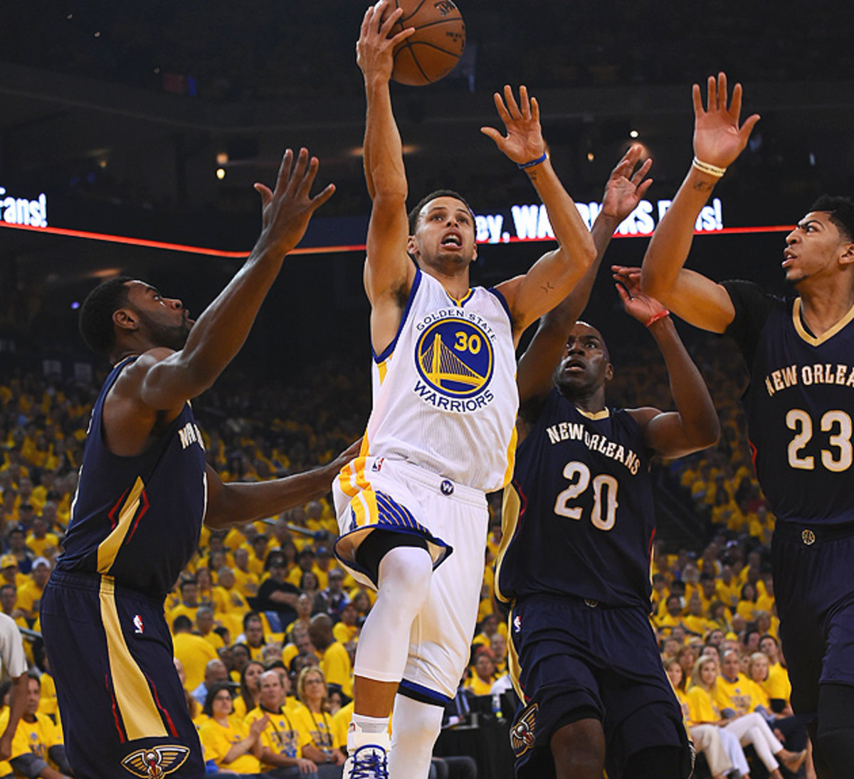 stephen-curry-warriors-pelicans-game-1-victory.jpg