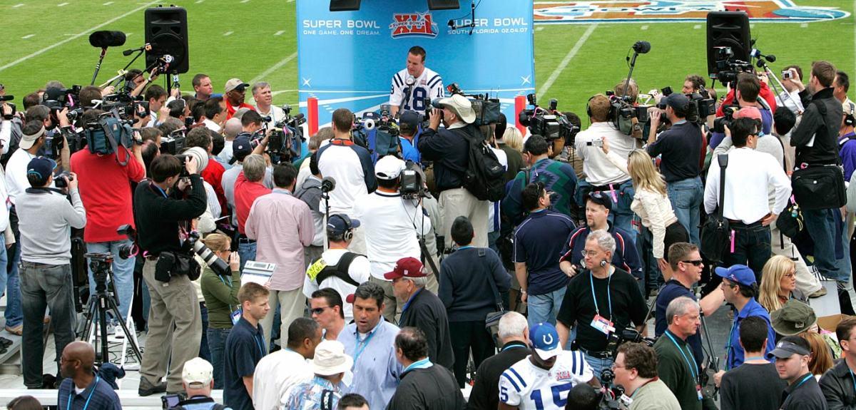 2007-Super-Bowl-XLI-Media-Day-Peyton-Manning.jpg