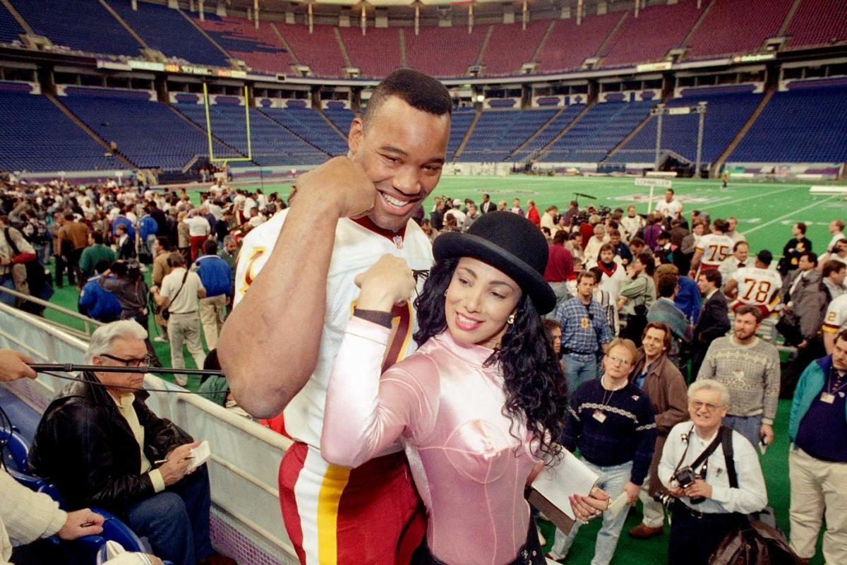 1992-Super-Bowl-XXVI-Media-Day-Charles-Mann-Julie-Brown.jpg