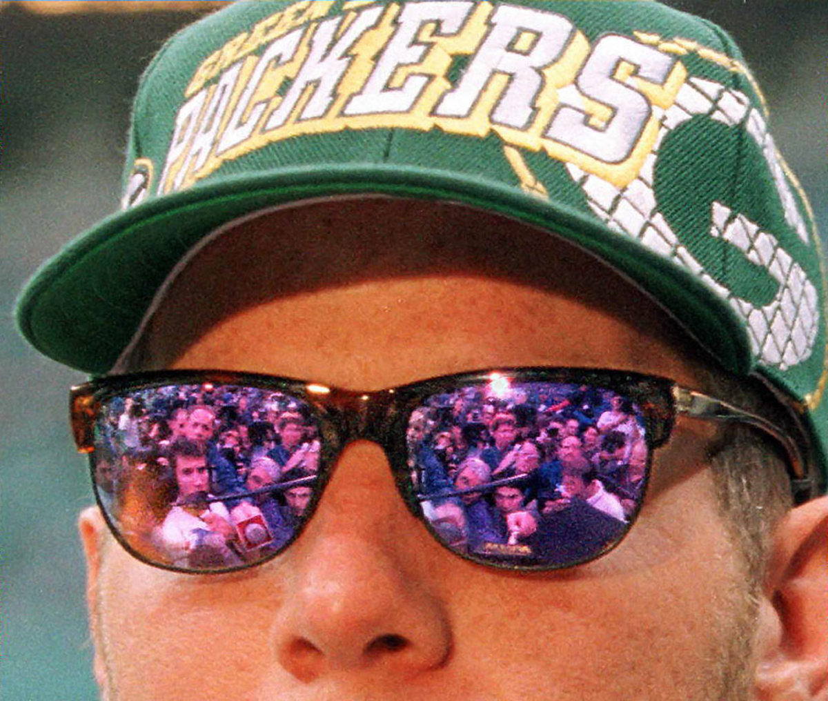 1997-Super-Bowl-XXXI-Media-Day-Brett-Favre.jpg
