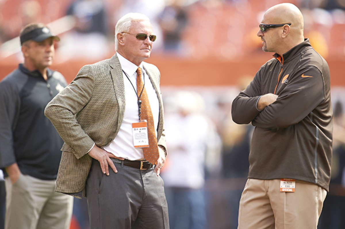 In the midst of a seven-game losing streak, Pettine (right) may not be Haslam's guy beyond this year.