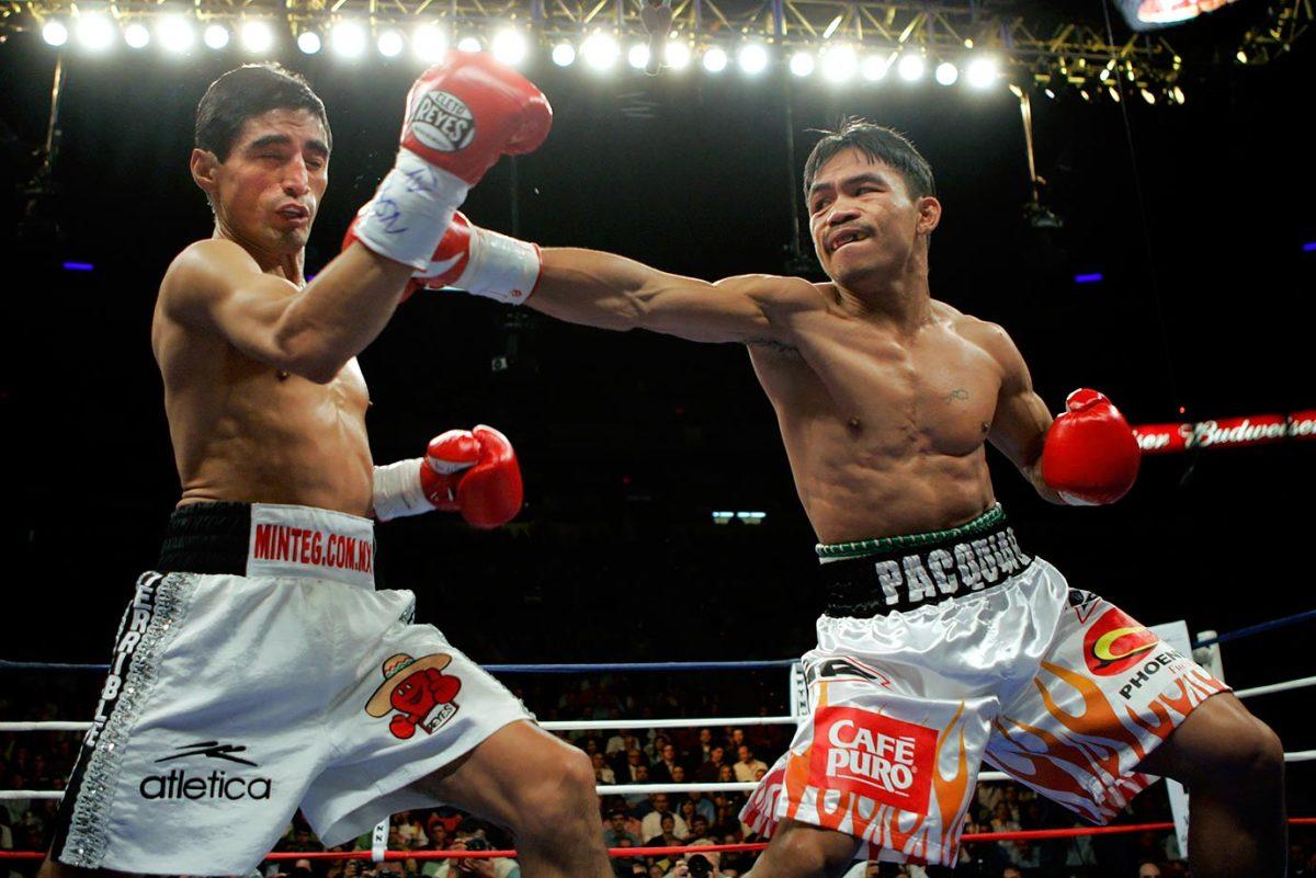 2006-1118-Erik-Morales-Manny-Pacquiao-III.jpg