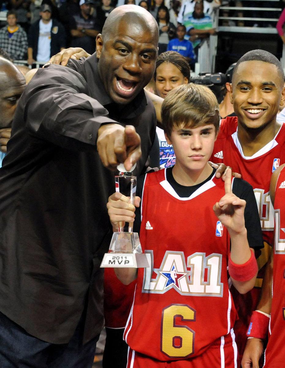 2011-0218-Justin-Bieber-Magic-Johnson.jpg
