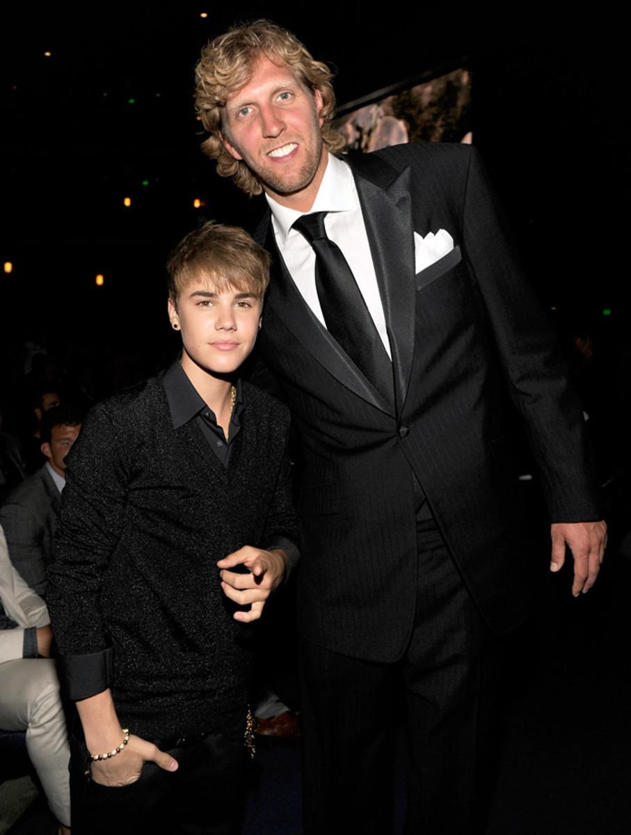 2011-0713-Justin-Bieber-Dirk-Nowitzki.jpg