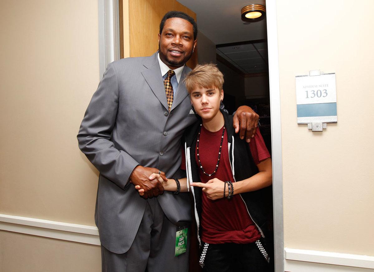 2011-0609-Justin-Bieber-Sam-Perkins.jpg