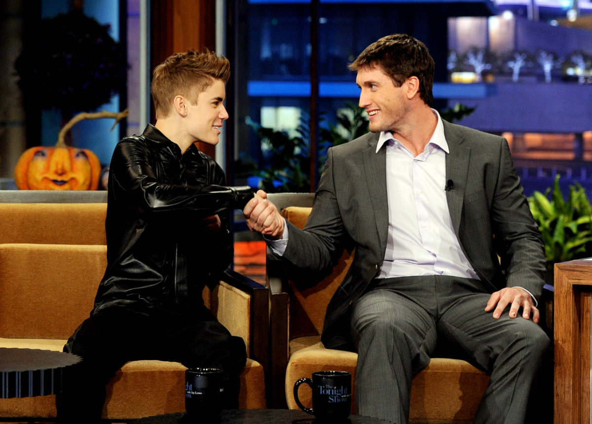 2011-1031-Justin-Bieber-David-Freese.jpg