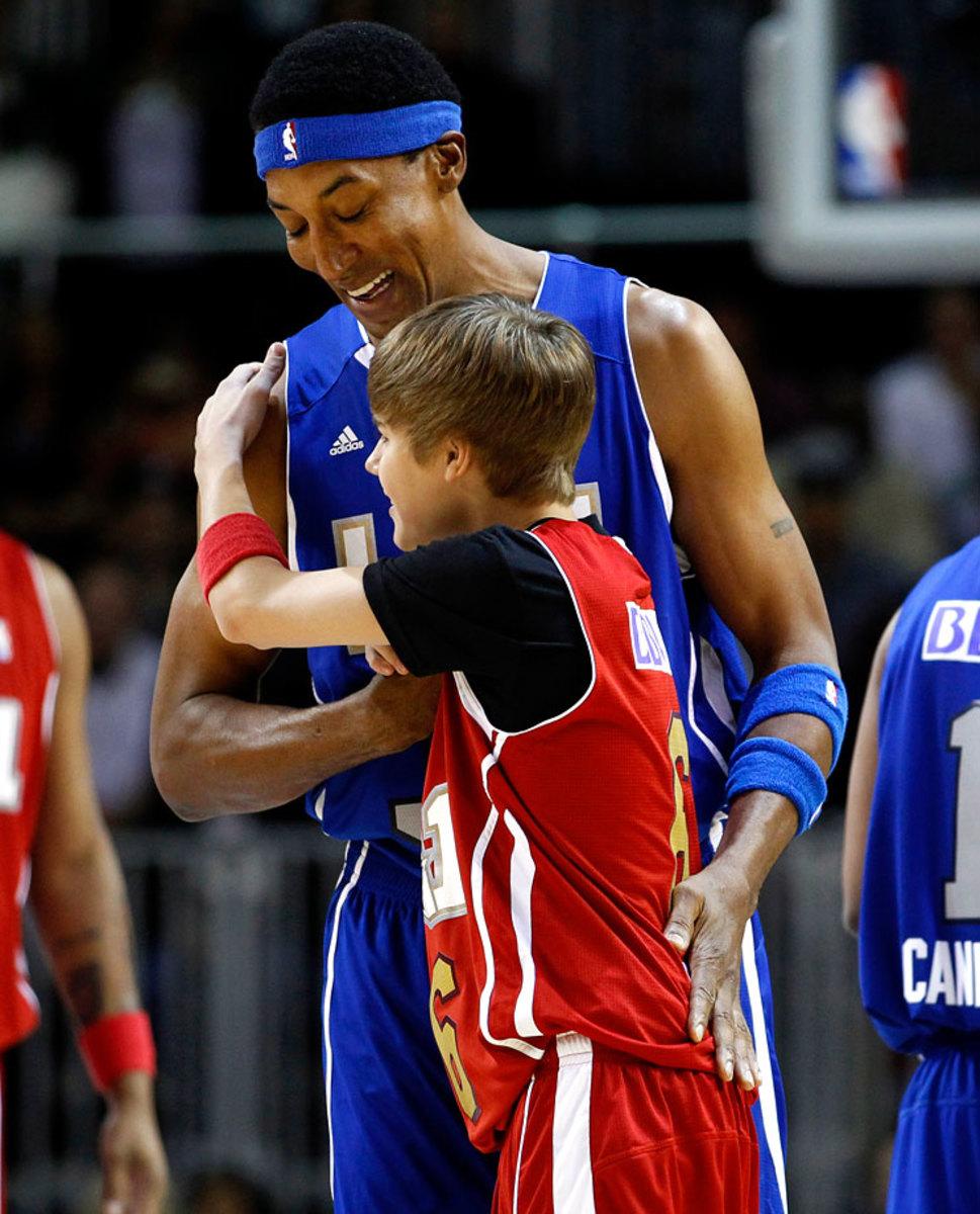 2011-0218-Justin-Bieber-Scottie-Pippen.jpg