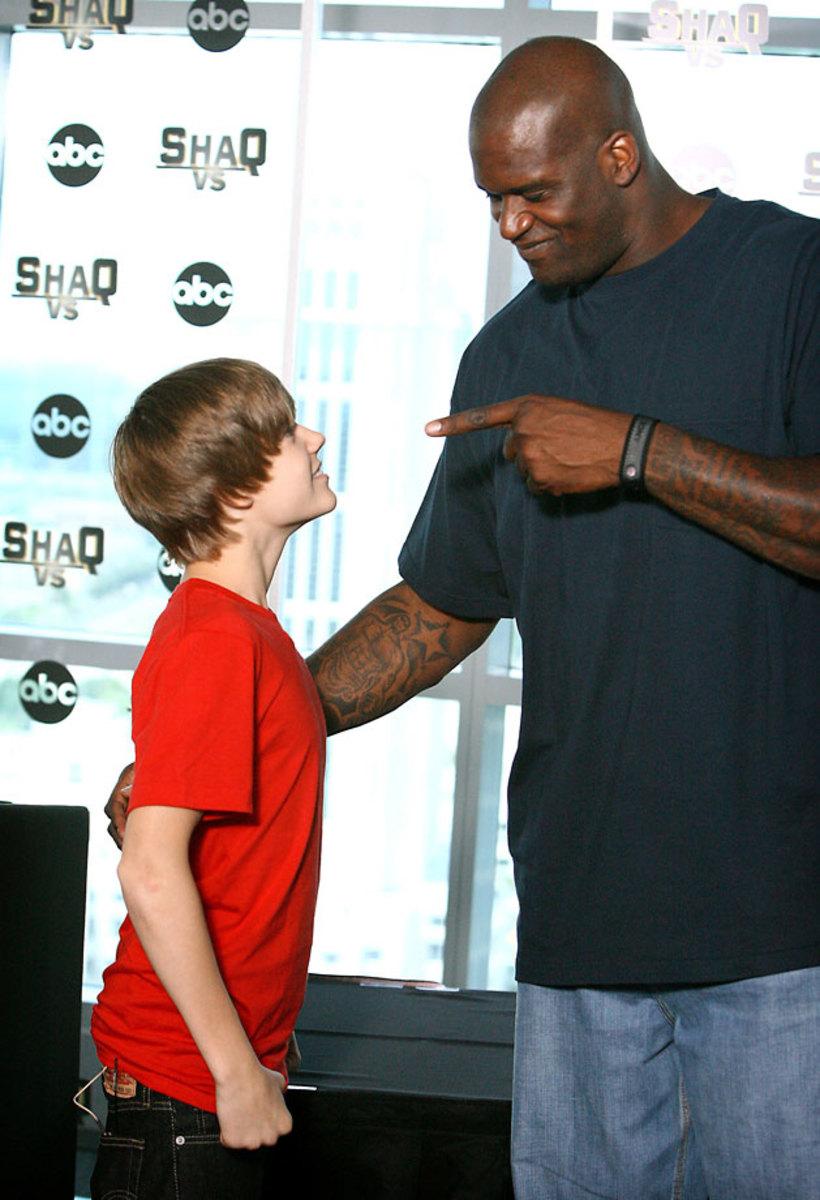 2010-0803-Justin-Bieber-Shaquille-O'Neal.jpg