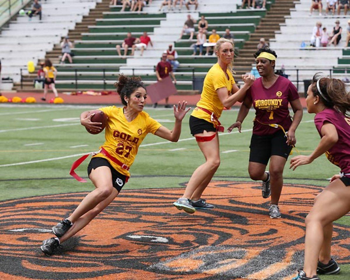 Washington-Redskins-cheerleaders-BEA_4799A.jpg