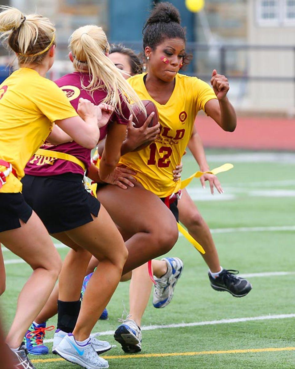 Washington-Redskins-cheerleaders-BEA_5388A.jpg
