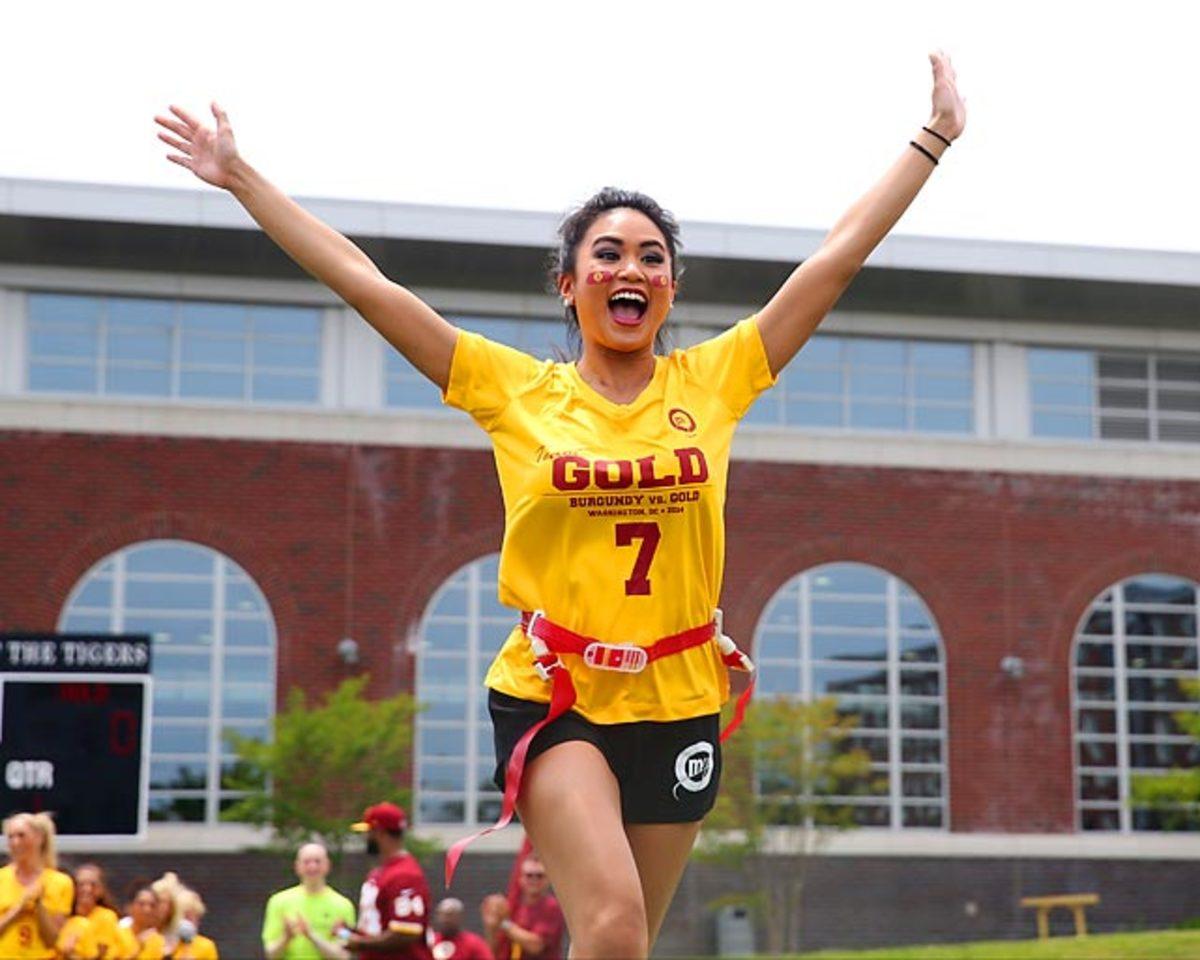 Washington-Redskins-cheerleaders-BEA_4256A.jpg