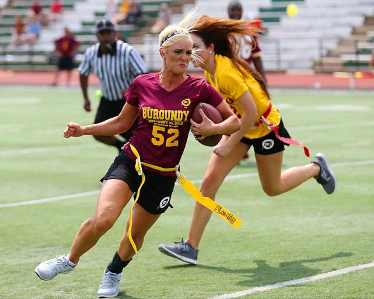 Washington-Redskins-cheerleaders-BEA_7048A.jpg