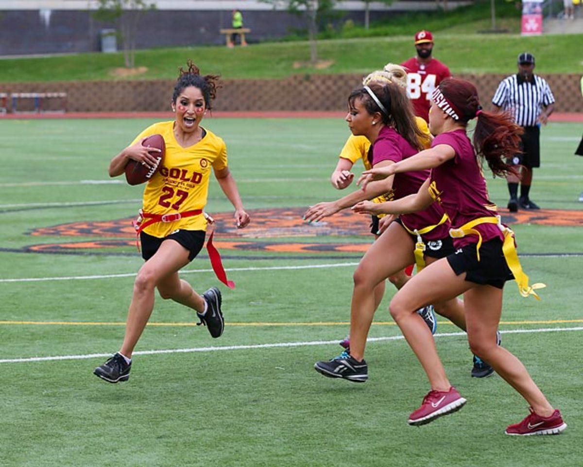 Washington-Redskins-cheerleaders-BEA_5465A.jpg