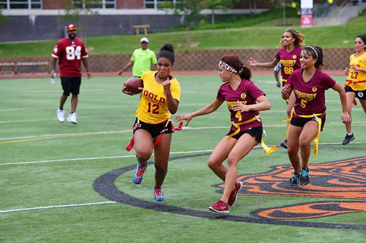Washington-Redskins-cheerleaders-BEA_5415A.jpg