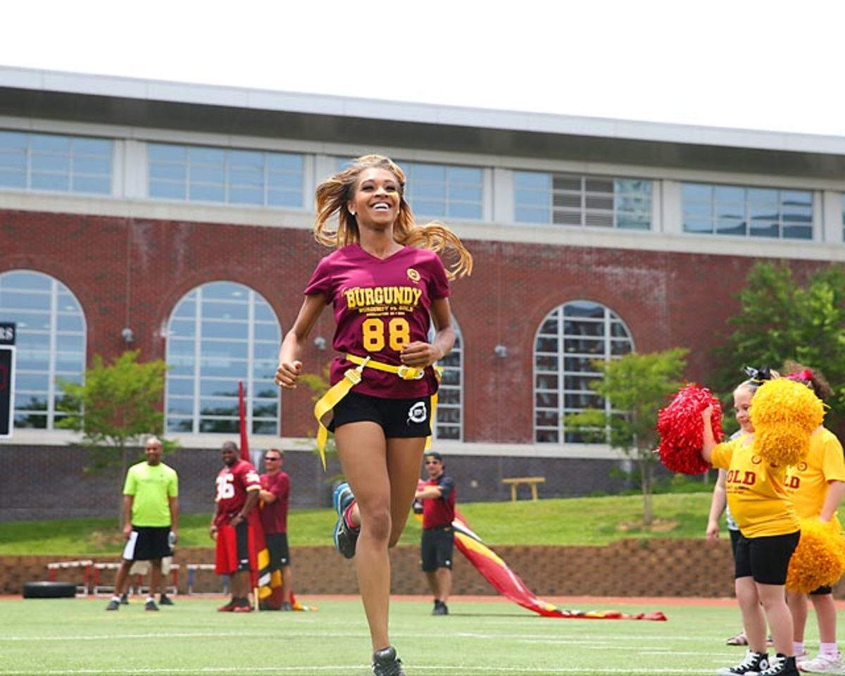 Washington-Redskins-cheerleaders-BEA_4082A.jpg