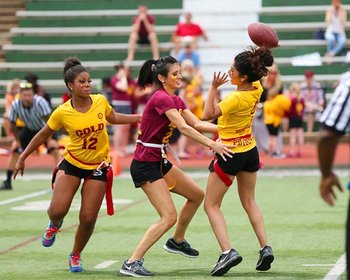 Washington-Redskins-cheerleaders-BEA_6550A.jpg